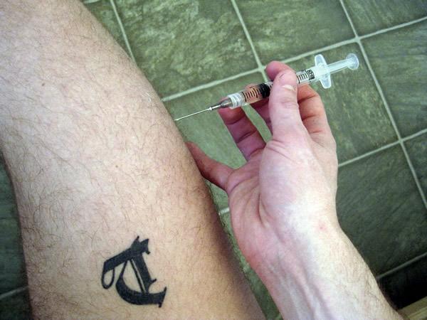 Testicle shrinkage along w reduced semen upona single injection
